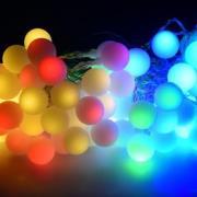 Lyskæde med 80 farvede LED-pærer