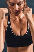 Sports-bh Daniella